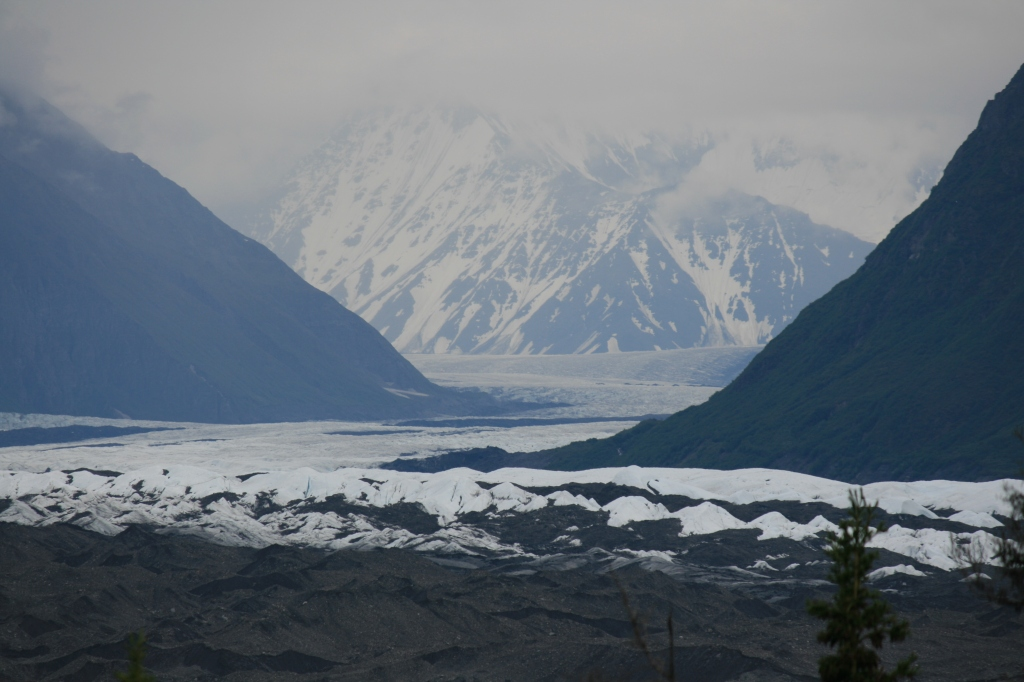 Matanuska Glacier stretches 27 miles long